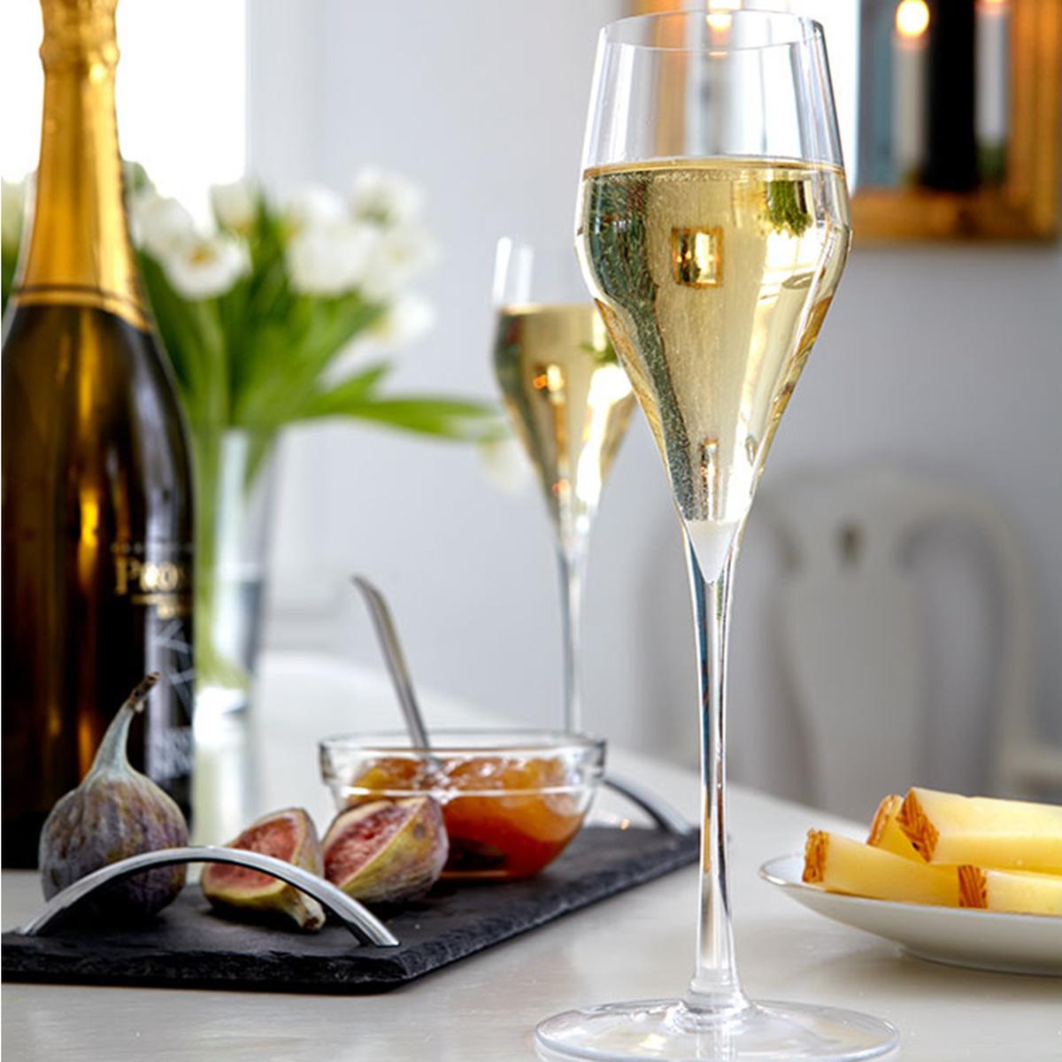 музика фотографии шампанского на столе про яблоки